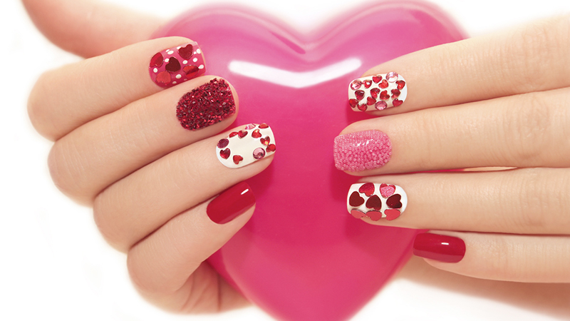 nail art san valentino 10 idee per unghie romantiche. Black Bedroom Furniture Sets. Home Design Ideas