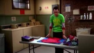 Sheldon in una scena di The Big Bang Theory